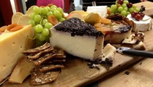 cheese platter jacqu kent 2 (475x271)
