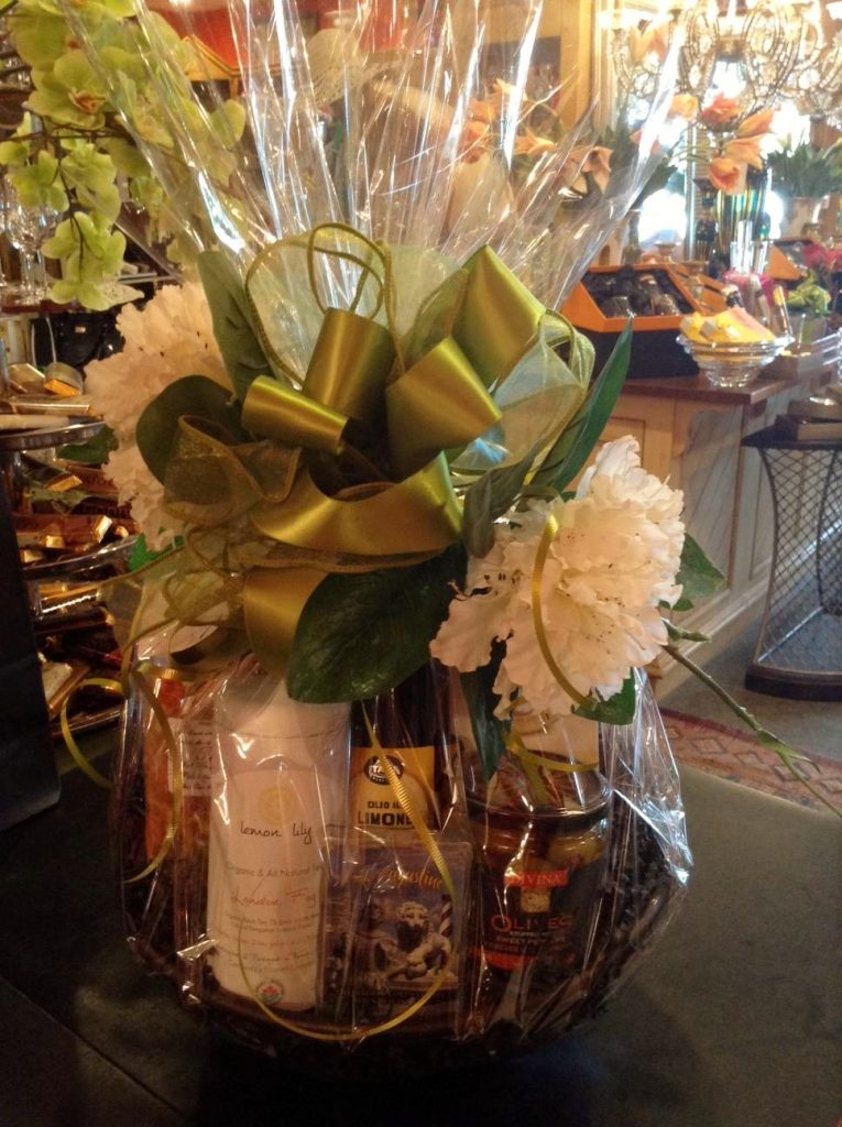 Medium Gift Basket, Gourmet Foods
