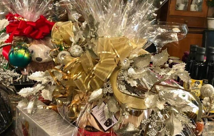 Herma's Gift Baskets for Christmas - Join our pictorial tour!